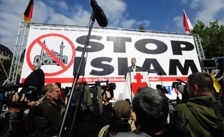 L'islamofobia è una forma dell'odio verso la religione e della ribellione verso il Creatore di tutte le cose. Osservazioni propedeutiche ad una trattazione dettagliata dell'ostilità verso l'Islam