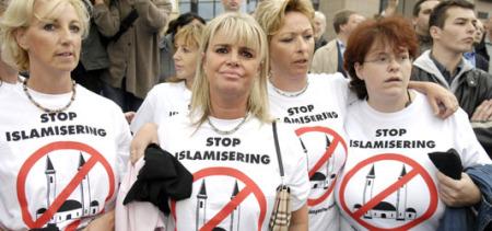"""""""Nei loro cuori v'è una malattia…"""". L'islamofobia nasce dalla paura dei """"moderni"""" di fare i conti con se stessi e di trarne le necessarie conseguenze"""