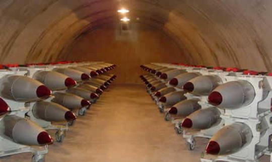 """Le 'corsie preferenziali' di Usa e Nato: altro che """"trecentomila euro""""!"""