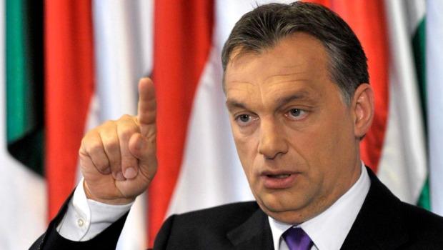 Ordini del padrone USA: L'UE minaccia ancora l'Ungheria