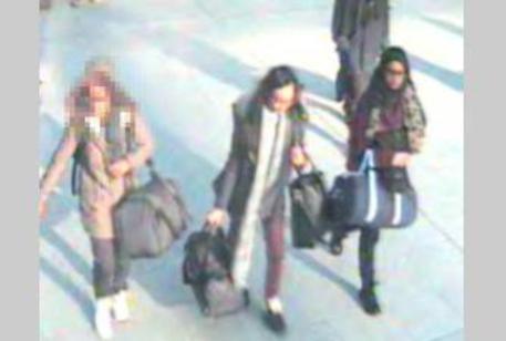 """L'inesistente pericolo delle giovani """"spose dell'ISIS"""""""
