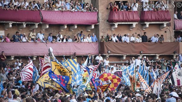 """Emergenza """"sicurezza"""": una lezione dal Palio di Siena"""