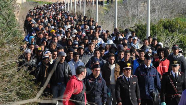 """Ordini del Pentagono: """"Vent'anni di crisi migratoria in Europa"""""""