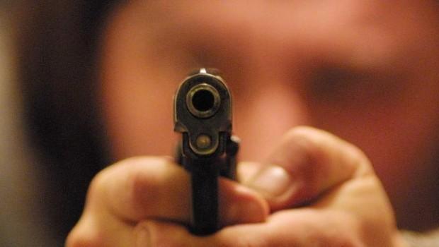 """Frutti amari del """"modello americano"""": dovremo rassegnarci a possedere un'arma?"""