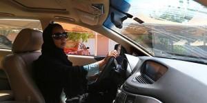 donna_saudita_guida