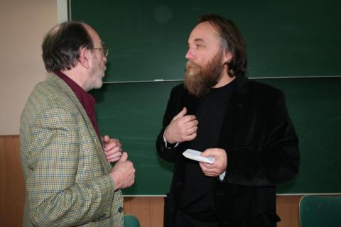 Alain De Benoist, Alexandr Dugin, Eurasia, Vladimir Putin e la grande politica, Controcorrente, Napoli 2014