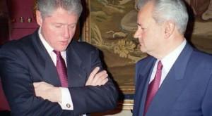 Clinton e Milosevic: attento Slobodan, non ti fidare...