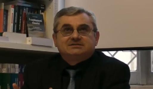 Renato Pallavidini, Fascismo o fascismi?, Ed. all'Insegna del Veltro, Parma 2013 (Prefazione di A. Colla)